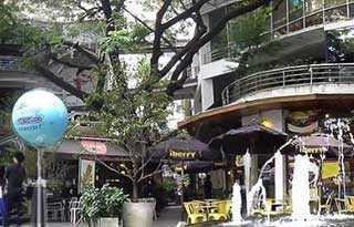 J Avenue Mall